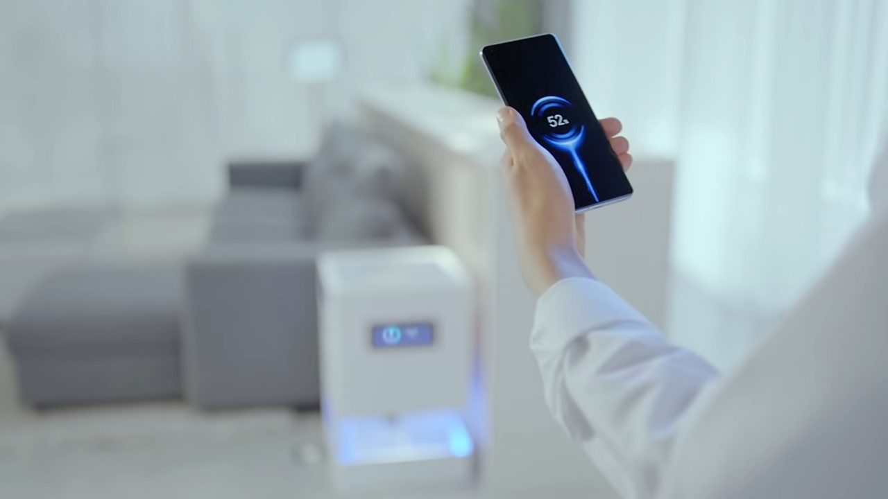 Air Charge: Ladet Smartphones schnurlos über mehrere Meter Entfernung auf