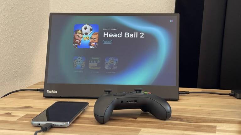 """Spielen am großen Bildschirm mit dem Moto G100 und """"Ready For"""". Der gekoppelte Xbox-Controller weigerte sich im Gameplay allerdings, Spielfiguren zu steuern."""