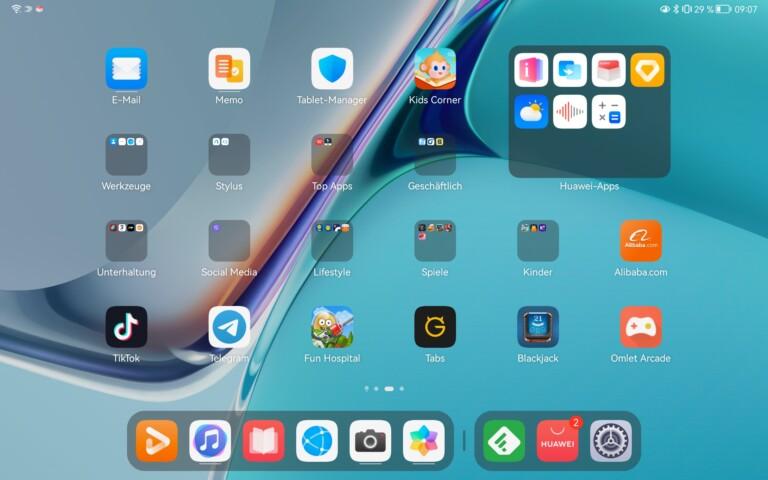 Müsst ihr erstmal wegräumen: Viele vorinstallierte App-Ordner, in denen kaum Apps sind